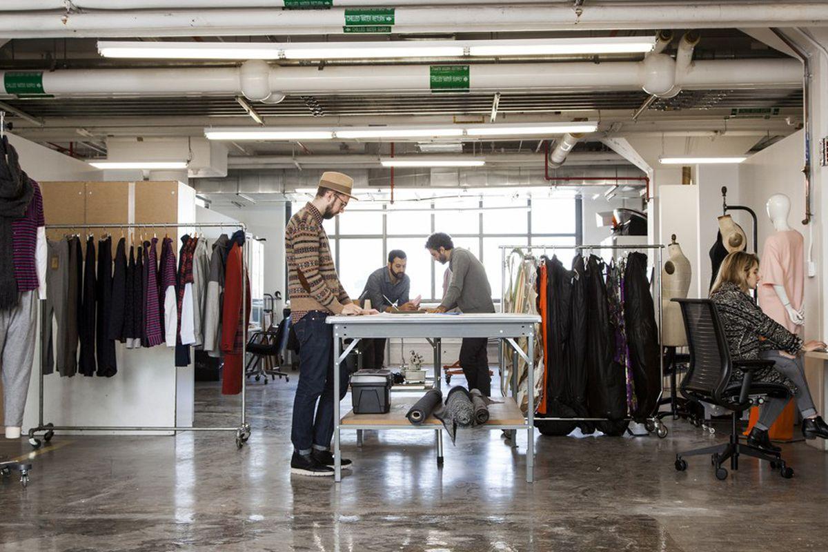 Свой бренд одежды помещение